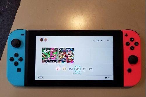 làm sao để cài Nintendo Switch Joy-Cons cho hai người chơi